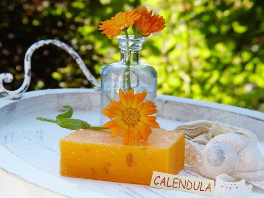 aceite esencial de calendula para jabones naturales